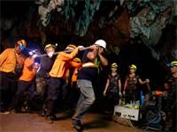 חילוץ הנערים מהמערה בתאילנד / רויטרס