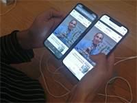 כתבת גלובס יסמין יבלונקו והאייפונים החדשים / צילום: יסמין יבלונקו