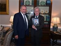 ג'ון בולטון ואביגדור ליברמן / צילום: אריאל חרמוני, משרד הביטחון