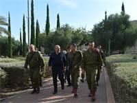 ליברמן מבקר באוגדת עזה / צילום: אריאל חרמוני, משרד הביטחון