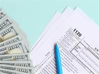 """תשלום מס בארה""""ב / צילום: Shutterstock"""