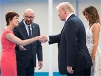 """טראמפ בפסגת נאט""""ו בבריסל יחד עם ראש ממשלת בלגיה, צ'ארלס מישל / צילום: רויטרס"""