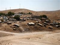 הכפר הבדואי חאן אל-אחמר / צילום: רויטרס