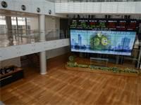 """פנים בניין הבורסה בת""""א / צילום: איל יצהר"""