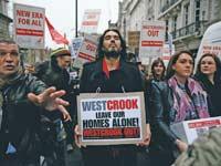 הפגנה של שוכרי דירות בלונדון,/צילום: רויטרס - Stefan Wermuth
