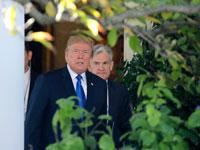 "יו""ר הפד, ג'רום פאוול  עם הנשיא טראמפ / צילום: רויטרס Carlos Barria"