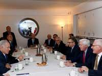 """נתניהו בפגישה עם נציגי הקהילה היהודית האמריקאית/צילום: אבי אוחיון /לע""""מ"""