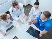 חשיבותו של צוות רב מקצועי בטיפול המיטבי בחולה הסרטן / צילום: Shutterstock/ א.ס.א.פ קרייטיב