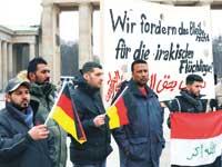 מחאה בברלין על גירוש פליטים/ צילום: רויטרס  FABRICIO BENSCH