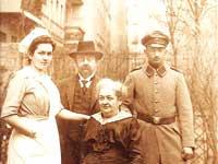 אחיו של אלפרד זקס ומשפתו בברלין לפני עליית הנאצים לשלטון