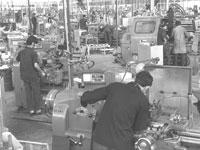 """מפעל מנועי בית שמש, 1970/ צילום: משה מילנר - לע""""מ"""