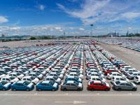 רכבים ממתינים למסירה/ צילום: Shutterstock/ א.ס.א.פ קריאטיב