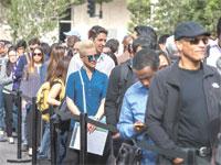 מחפשי עבודה ביריד תעסוקה בלוס אנג'לס / רויטרס, Monica Almeida