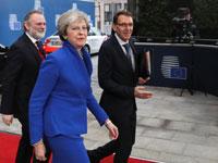 תרזה מיי מגיעה לפסגת האיחוד האירופי בבריסל,/ צילום:רויטרס Yves Herman