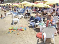 חוף הים בראשון לציון/ צילום: איל יצהר
