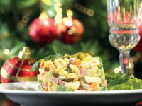 אוכל - נובי גוד - סלט אוליבייה חגיגי / צילום: שאטרסטוק