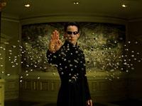"""קיאנו ריבס בתפקיד ניאו, בסרט """"מטריקס"""" / צילום: מטריקס - באדיבות YES"""