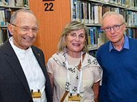 דויד גרוסמן, טובה וסמי סגול  / צילום: ישראל מלובני פצו