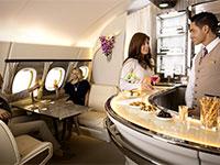 הבר של אמירייטס במטוס / צילום: אתר החברה