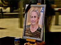 תמונה של נחמה ריבלין ונר זיכרון בבית הנשיא / צילום: תומר רייכמן