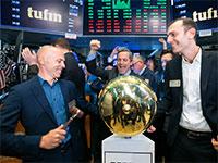 """מייסדי חברת תופין, רובי כיטוב (מימין) וראובן הריסון, בבורסת ניו יורק / צילום: יח""""צ"""