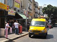 מונית שירות ברחובות. כלי יעיל להתמודדות עם הפקקים והעומס בכבישים / צילום: תמר מצפי
