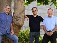 מימין: פרופ' יוסי רוזנווקס, פרופ' ליאו קורי ויאיר סאקוב / צילום: איל יצהר, גלובס