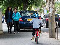 מכוניות על המדרכות ברחבי תל אביב / צילום: שלומי יוסף