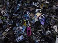 טלפונים משומשים/ צילום: רויטרס