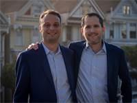 """מנכל סייסנס אמיר אורעד והארי גלזר מנכ""""ל ומייסד שותף בחברה הנרכשת  Periscope Data / צילום: Sisense/"""