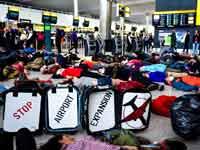 הפגנה של מתנגדי הטיסות בלונדון /צילום: Stay Grounded