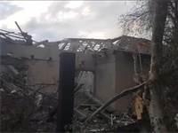 הבית שעליו נפל טיל במושב בעמק חפר הבוקר / צילום: כב״ה מחוז מרכז