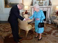 מלכת אנגליה ובוריס ג'ונסון / צילום: Victoria Jones, רויטרס