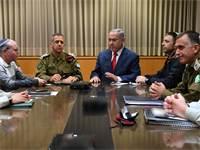 """ראש הממשלה נתניהו והרמטכ""""ל כוכבי בדיון בקריה / צילום: אוריאל חרמוני משהבט"""