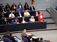 הקנצלרית אנגלה מרקל בפרלמנט הגרמני/ צילום: רויטרס