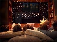 צפייה בסרטים / צילום: Shutterstock