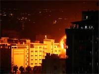 חיל האוויר תוקף מטרות בעזה / צילום: REUTERS/Mohammed Salem