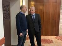 יובל שטייניץ ואבי ניסנקורן במלון לאונרדו בירושלים \ צילום: גלובס