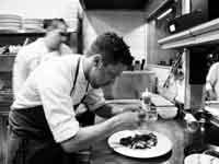 דיוויד פרנקל במטבח של פרונטו/ צילום: תמוז רחמן