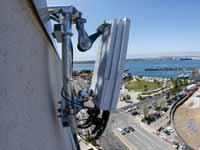 אנטנת 5G  שהותקנה בסן דייגו, קליפורניה /  צילום: רויטרס Mike Blake