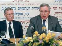 שלמה פיוטרקובסקי ויגאל ארנון ב 2006 / צילום: קובי קנטור