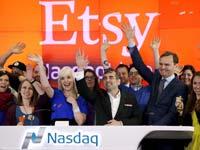 """צ'אד דיקרסון, לשעבר מנכ""""ל חברת Etsy יום הנפקת החברה ב-2015  / צילום: רויטרס, Mike Segar"""