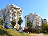 פארק רייספלד. דירת 5 חדרים בשכונה כבר עולה 3.5 מיליון שקל / צילום: בר אל
