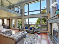 תקרות גבוהות וחלונות זכוכית בדירות יוקרה/ צילום: shutterstock