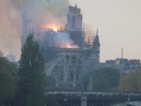 עונש משמיים? השריפה בנוטרדאם הציתה לא רק את הקתדרלה המפורסמת