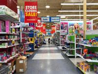 מכירת חיסול לפני סגירת חנות Toys R Us של בסן חוזה,/ צילום: /Shutterstock א.ס.א.פ קריאייטיב