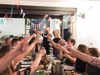 """תל-אביב-יפו מזמינה את תושבי העיר לארח תיירים בשבוע האירוויזיון / צילום: יח""""צ"""
