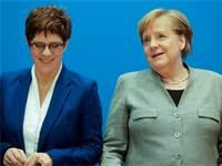 אנגלה מרקל ואנגרט קראמפ קארנבאונר / צילום: Markus Schreiber, AP