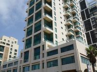 הבניין ברחוב הרברט סמואל. הנכס נמצא בקומה ה־23  / צילום: איל יצהר, גלובס