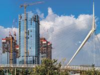 """בניית משרדים במרכז העיר פתח תקוה. """"להוסיף דירות קטנות""""  / צילום: shutterstock, שאטרסטוק"""